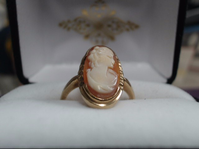 Cameo Lady's Stone Ring 10K Yellow Gold 2.89g Size:6