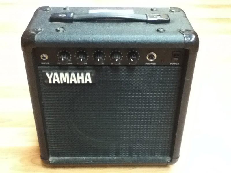 yamaha electric guitar amp hy 10g good buya. Black Bedroom Furniture Sets. Home Design Ideas