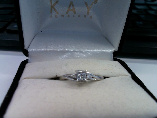 Lady's Diamond Cluster Ring 6 Diamonds .22 Carat T.W. 10K White Gold 1.82g