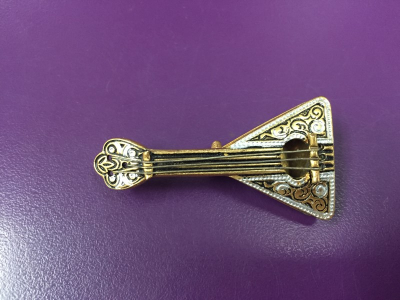 VINTAGE BRASS BROOCH/PIN GUITAR MADE IN SPAIN