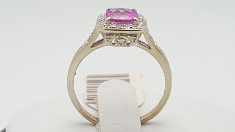 pink Stone Lady's Ring 14K Yellow Gold 3.9g