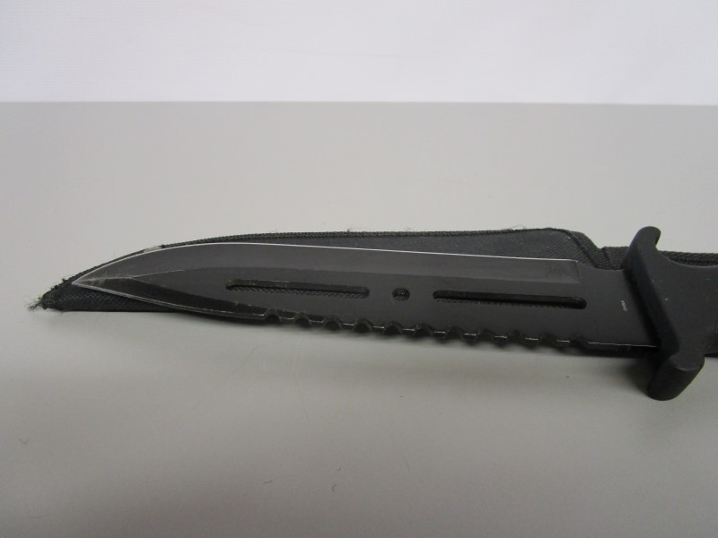 FROST CUTLERY HUNTING KNIFE