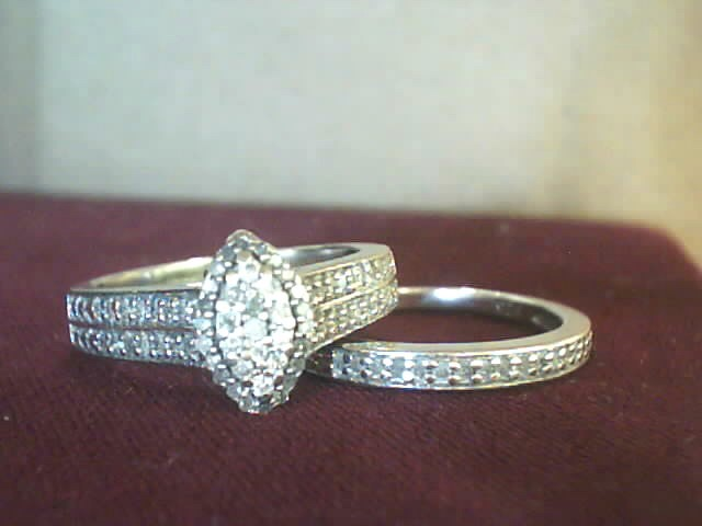 Lady's Silver-Diamond Ring 45 Diamonds .290 Carat T.W. 925 Silver 3.9dwt