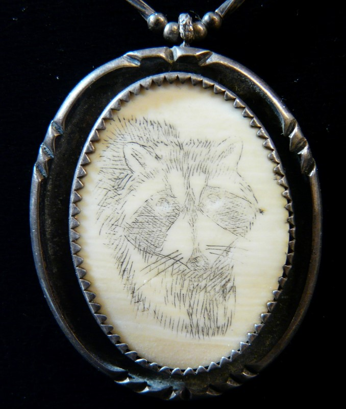 VINTAGE HAND MADE SCRIMSHAW RACCOON IN STERLING W/CHAIN