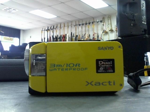 SANYO Camcorder VPC-WH1