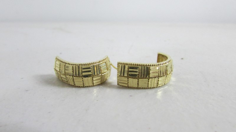 Gold Earrings 10K Yellow Gold 0.4g