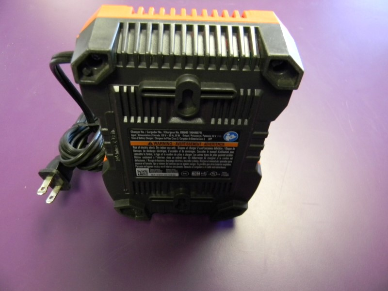 RIDGID R86049 12v Lithium Ion Battery Charger W/Battery