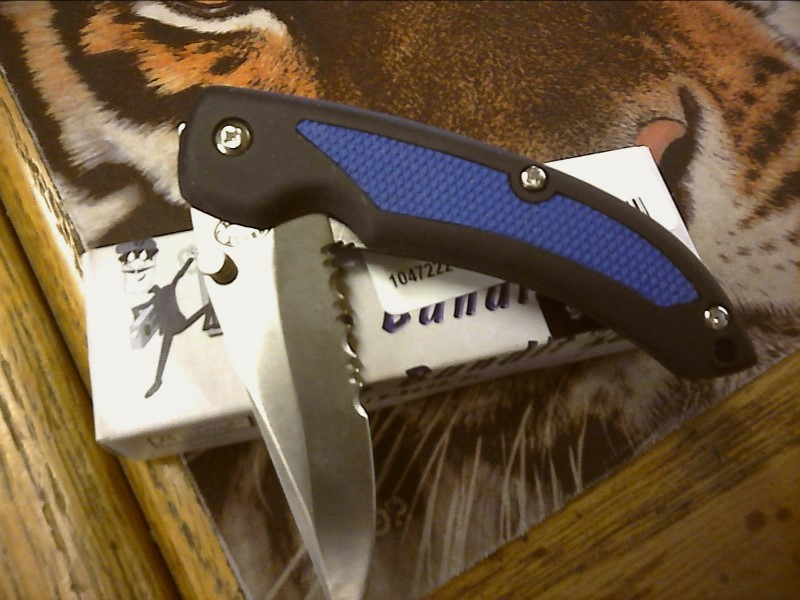 FROST CUTLERY Pocket Knife THE BANDIT