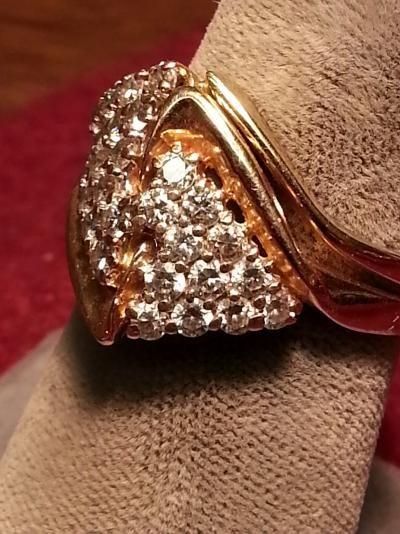 Lady's Diamond Wedding Set 28 Diamonds .84 Carat T.W. 14K Yellow Gold 4.8dwt