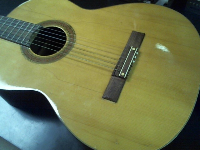 ARIA Acoustic Guitar A-585