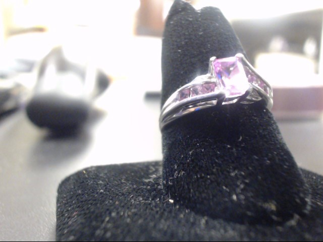 Synthetic Pink Stone Lady's Stone Ring 10K White Gold 2.1g