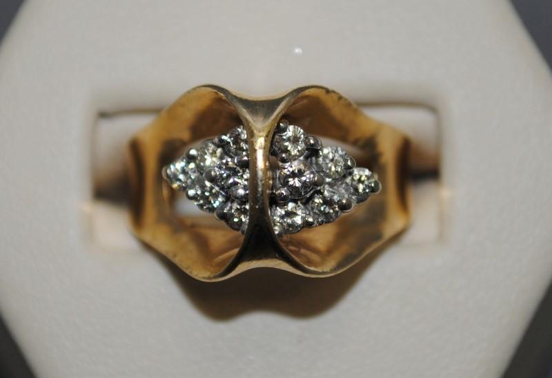 Lady's Diamond Cluster Ring 12 Diamonds .48 Carat T.W. 14K Yellow Gold 7.6g