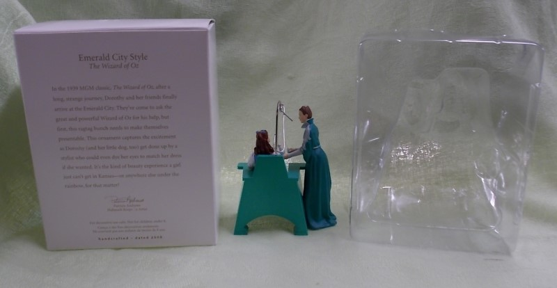 HALLMARK KEEPSAKE EMERALD CITY STYLE 2008 WIZARD OF OZ CHRISTMAS ORNAMENT