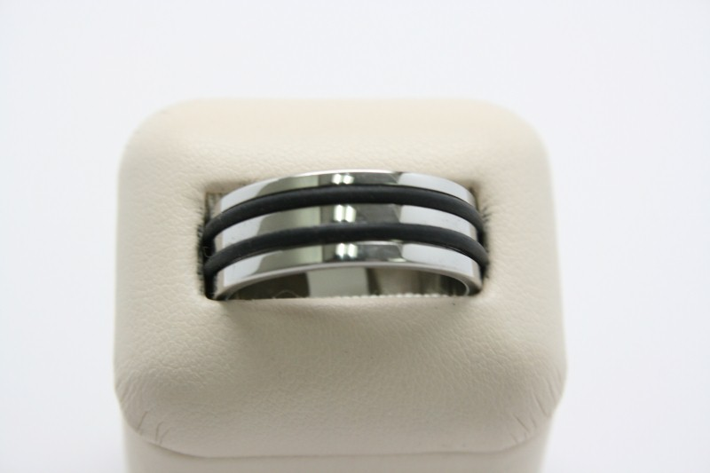 GENT'S STAINLESS STEEL RING 11