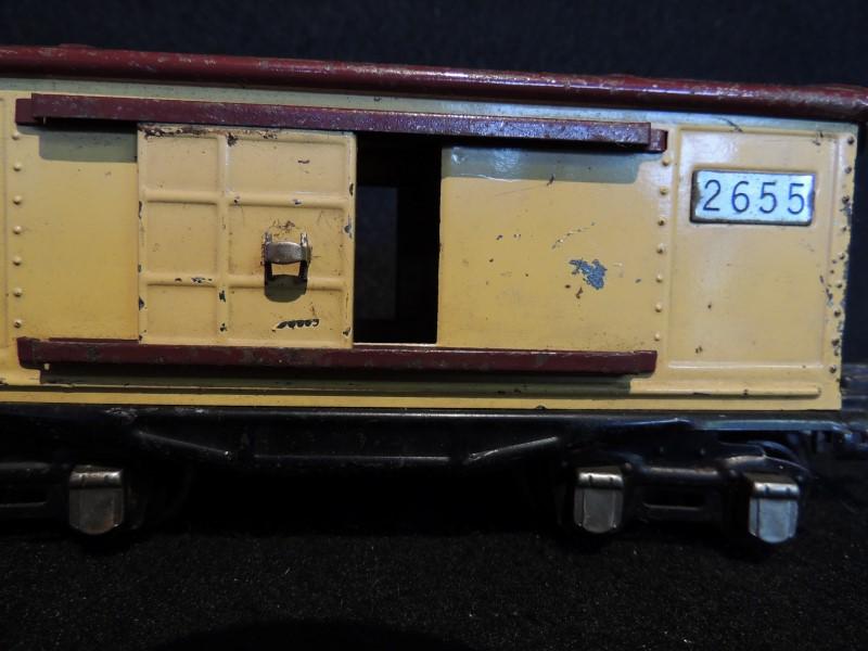 LIONEL TRAIN PREWAR NO. 2655 LINES BOX CAR 1938-42 - VERY NICE