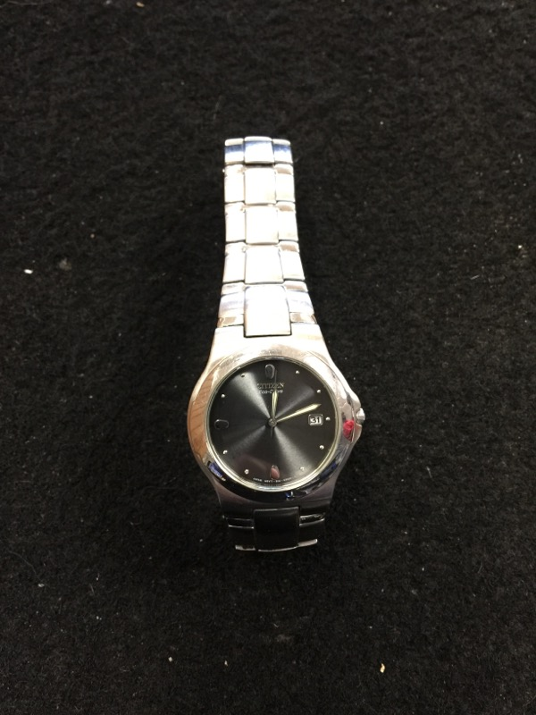 CITIZEN Gent's Wristwatch E110-K51218