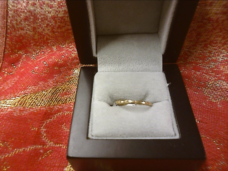 RING JEWELRY JEWELRY, 10KT, 1.00 DWT; THIN BAND WITH LINES AROUND THE EDGES