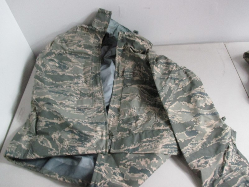 MILITARY SURPLUS APEC ALL PURPOSE PARKA LARGE REGULAR
