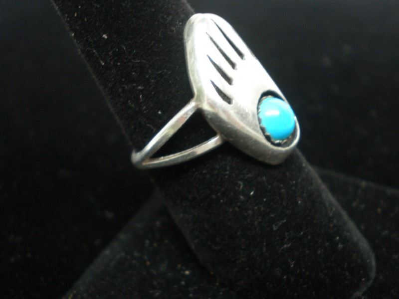 STERLING SILVER WITH TURQUOISE STONE BEAR CLAW RING