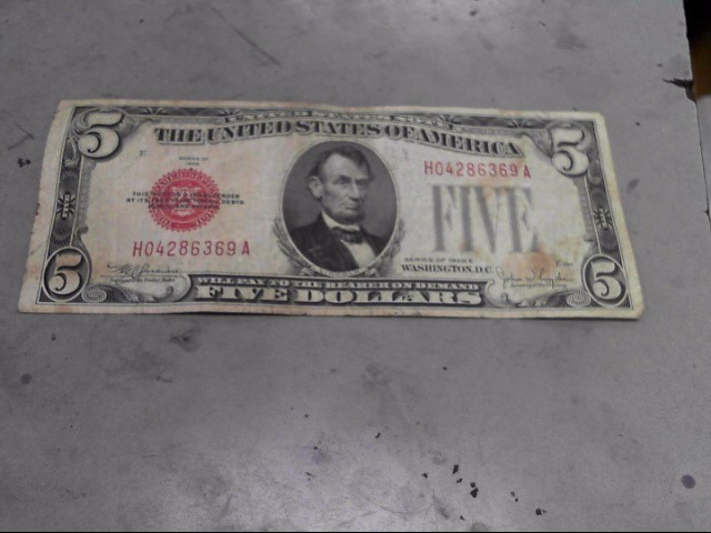 UNITED STATES Paper Money - World $5 SILVER CERTIFICATE RED SEAL