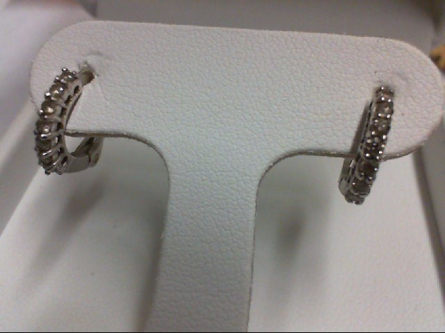Gold-Diamond Earrings 14 Diamonds 0.28 Carat T.W. 18K White Gold 1.6g