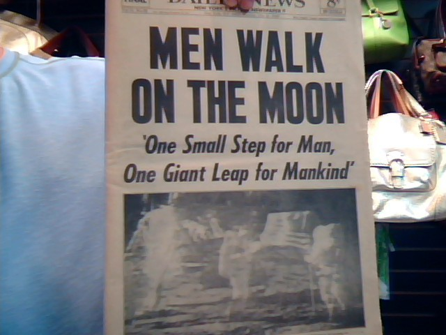 DAILY NEWS MEN WALK ON THE MOON