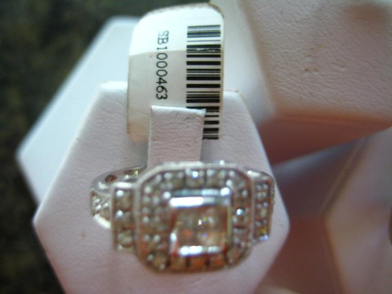 Lady's Gold Ring 14K White Gold 4.78g