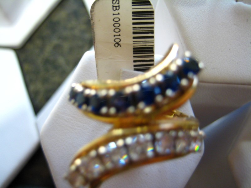 Synthetic Blue Stone Lady's Stone Ring 18K Yellow Gold 9.5g