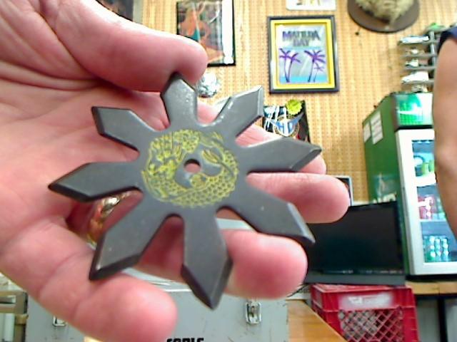 TAIWAN Pocket Knife THROWING STARS