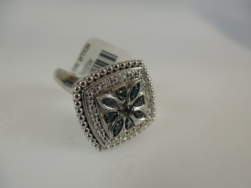 Lady's Silver Ring 925 Silver 6.2g