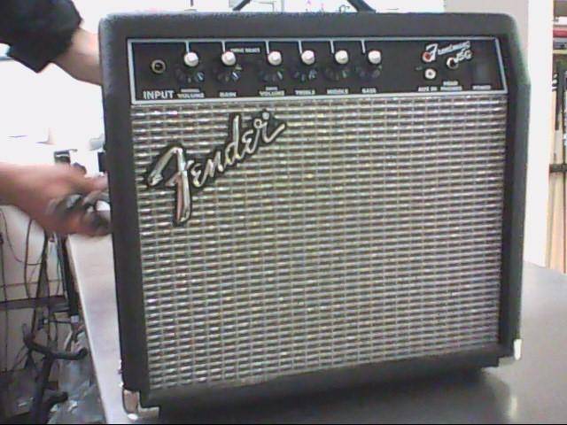 FENDER Electric Guitar Amp 15G