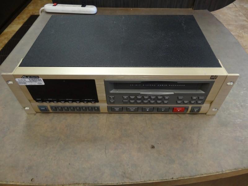 ALESIS Multi-Track Recorder XT20