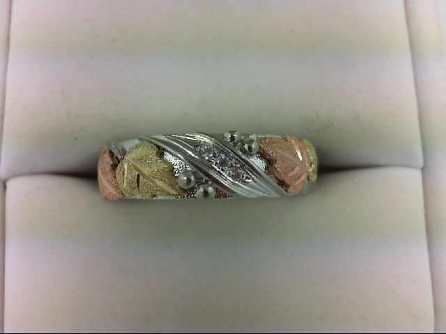 Gent's Gold-Diamond Wedding Band 3 Diamonds 0.03 Carat T.W. 14K Tri-color Gold 4