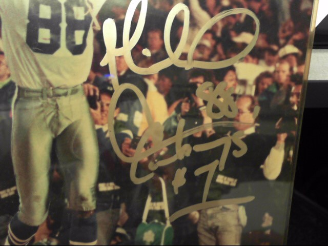 MICHAEL IRVING DALLAS COWBOYS AUTOGRAPHED PHOTO FRAMED