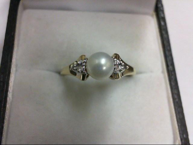 Pearl Lady's Stone & Diamond Ring 2 Diamonds 0.02 Carat T.W. 10K Yellow Gold 2g