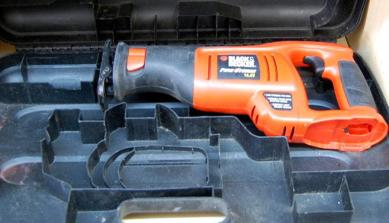 BLACK & DECKER Reciprocating Saw CRS144  No Battery or Charger