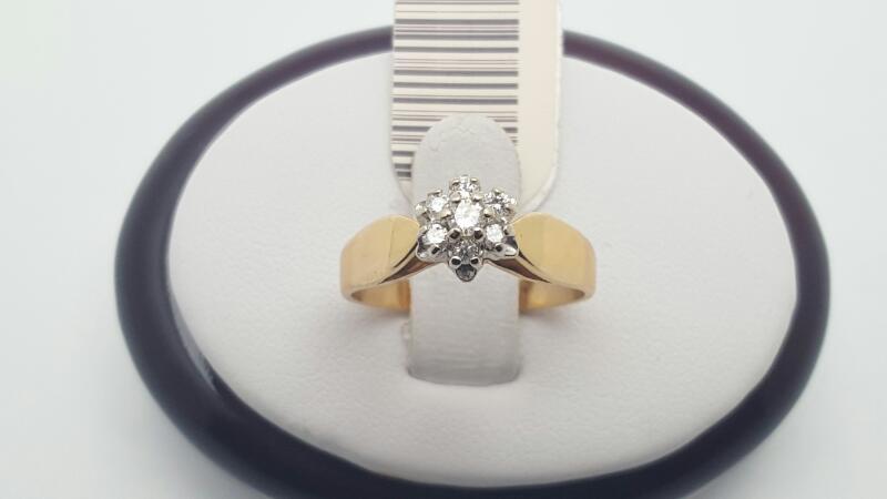 Lady's Diamond Cluster Ring 7 Diamonds .21 Carat T.W. 14K Yellow Gold 3.2g