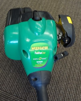 WEED EATER Lawn Trimmer SST25E **AS IS WONT START/NEEDS NEW PRIMER BULB**