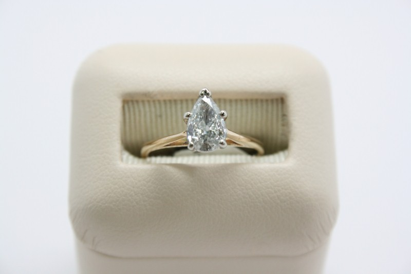LADY'S SOLITAIRE PEAR SHAPE DIAMOND RING 14K YELLOW GOLD