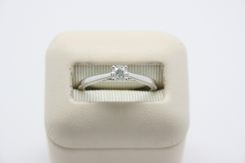LADY'S SOLITAIRE 14K WHITE DIAMOND RING