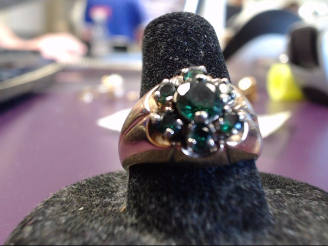 Green Stone Lady's Stone Ring 10K Yellow Gold 6.1g