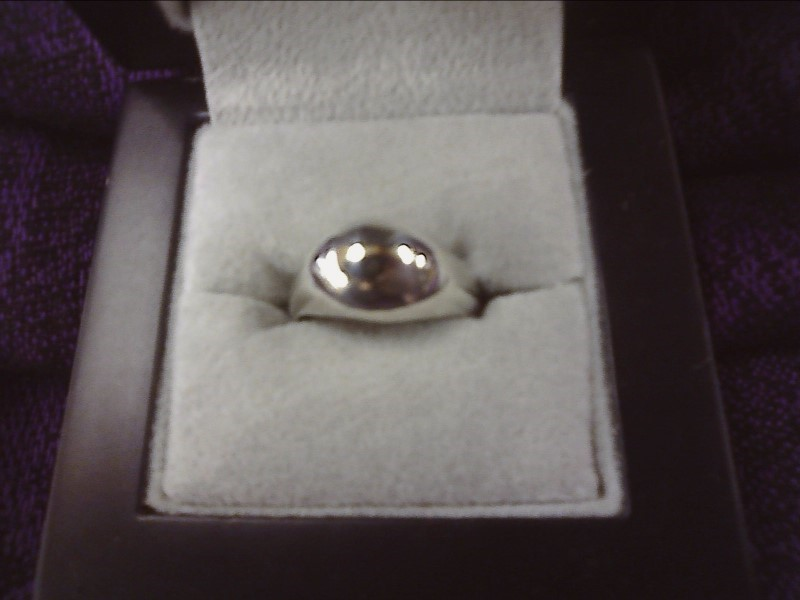 STERLING SILVER RING WITH DOME DESIGN SIZE: 6 1/2