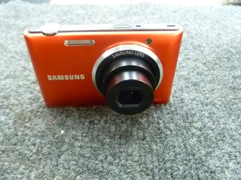 SAMSUNG DIGITAL CAMERA ST72 16MP