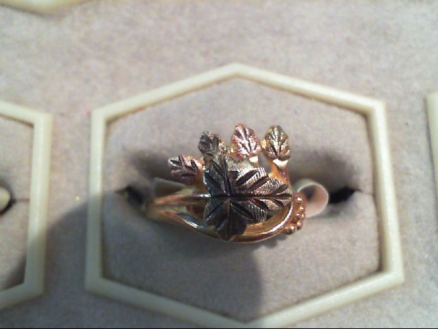 Lady's Gold Ring 10K 2 Tone Gold 3.1g Size:6.5