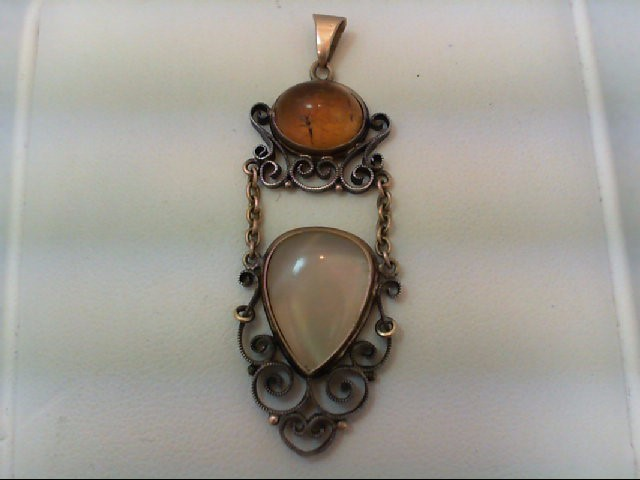 Gold Pendant Antique Gold Filled 2.8g