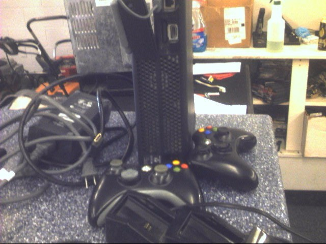 MICROSOFT XBox 360 XBOX 360 - 120GB - CONSOLE - Sold AS-IS