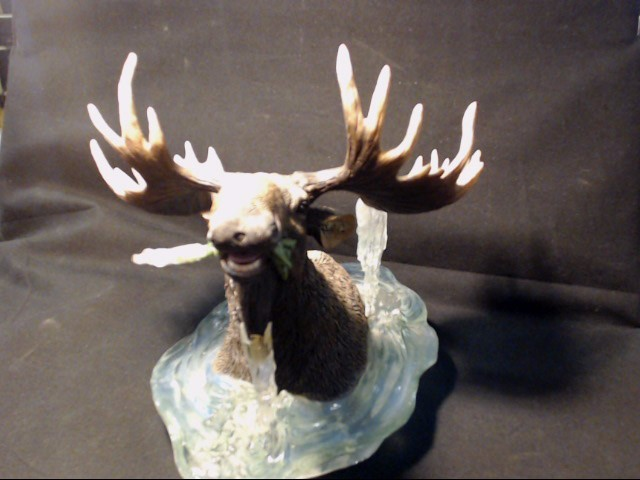 MOOSE IN ICE CERAMIC DISPLAY PEICE