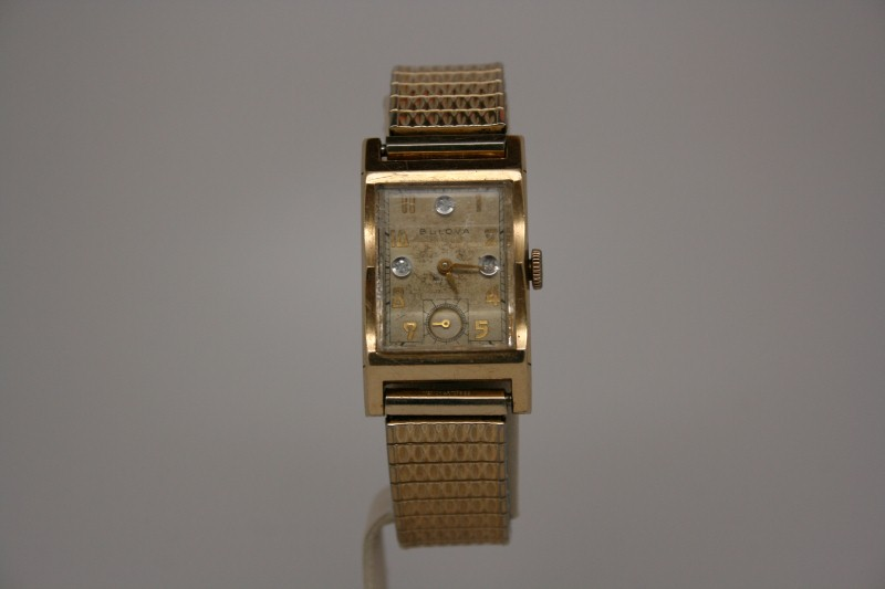 VINTAGE BULOVA GENT'S WATCH 14K GOLD CASE