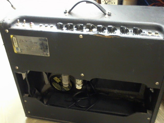 FENDER Electric Guitar Amp DEVILLE 212