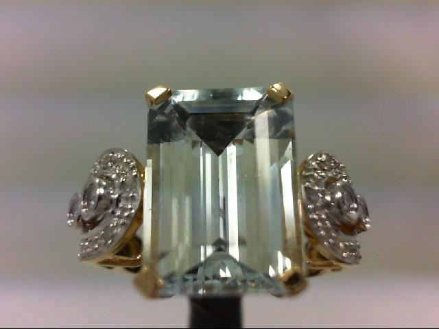 Aquamarine Lady's Stone & Diamond Ring 18 Diamonds 0.22 Carat T.W. 14K Yellow Go
